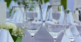 Die richtige Tischdekoration ist ein wichtiger Bestandteil von Sommerfesten