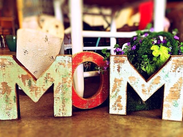 Der Muttertag ist die perfekte Gelegenheit, ganz besondere Dekoration zu verwenden. (Quelle: Wokandapix (CC0-Lizenz)/ pixabay.com)
