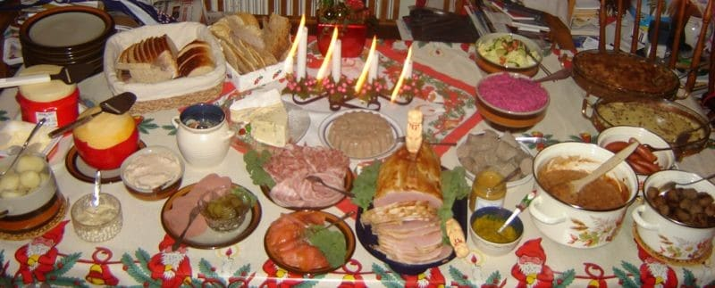 festliche Tafel, Festtafel, Essen, gedeckter Tisch