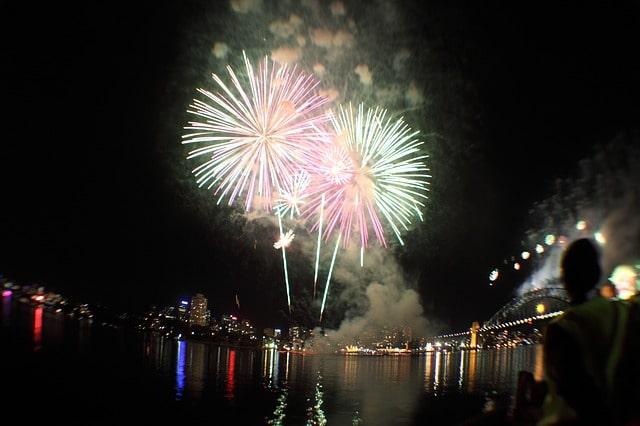Traditionell findet in den Städten und Gemeinden am Australia Day ein großes Feuerwerk statt