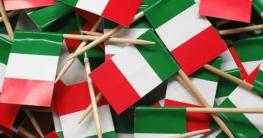 Dekoration mit verschiedenen Accessoires in den Tricolori-Farben ist ein Muss auf Ihrer Party zum italienischen Nationalfeiertag