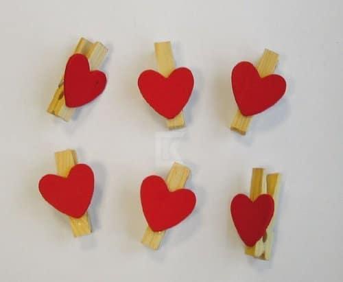 Holz Deko Frühjahr : Holz-Miniklammern mit roten Herzen, 6 Stück ...