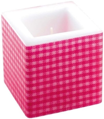 Kerze: Würfelkerze, pinkfarbenes Vichy-Muster, 8 x 8 x 8 cm - 1