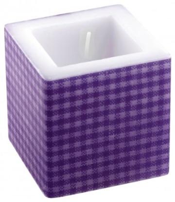 Kerze: Würfelkerze, violettes Vichy-Muster, 8 x 8 x 8 cm - 1