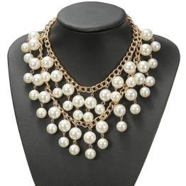 Schmuck: Kette mit Perlen - 1